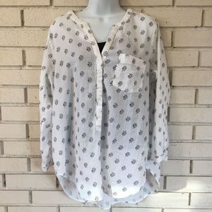 White Old Navy tunic with black roses